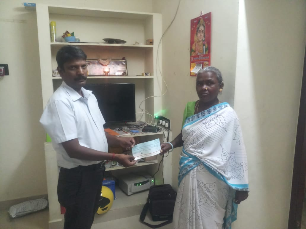 Devan moher 2 lakh givencheque